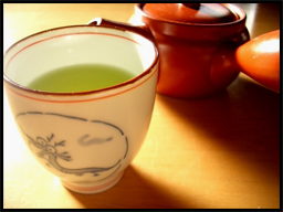 Drinking green tea lowers blood sugar spikes